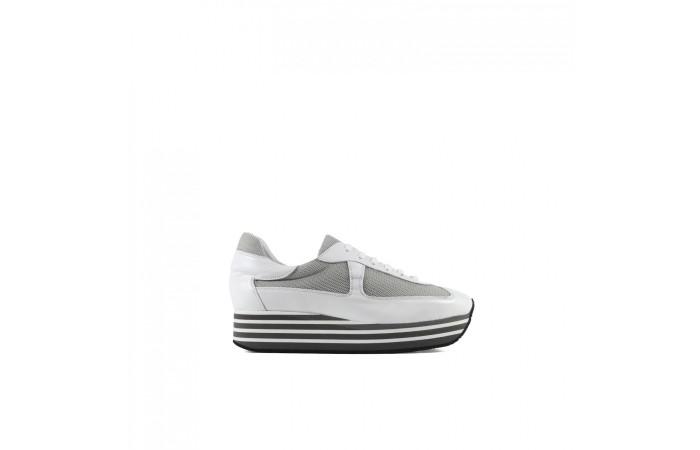 White platform Berlin sneaker