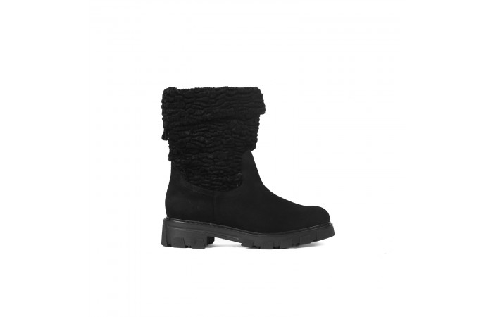 Black suede Giselle Boot