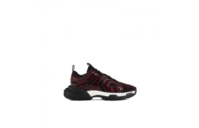 Garnet Dina Sneaker