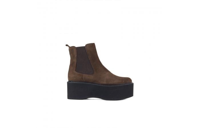 Brown XXL platform boots
