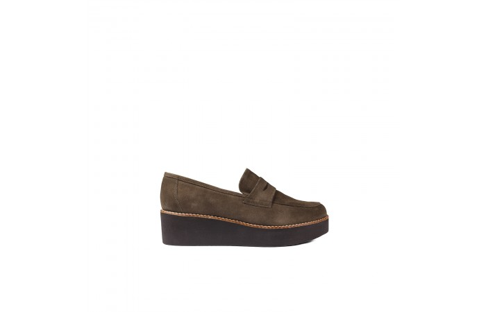 Classic suede moccasin