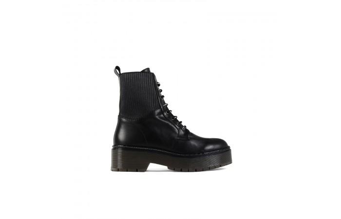 Black elastics platform...