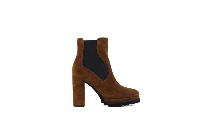 Kala Elastics heeled boots