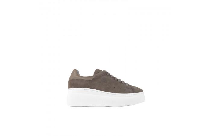 Brown platform nina sneaker