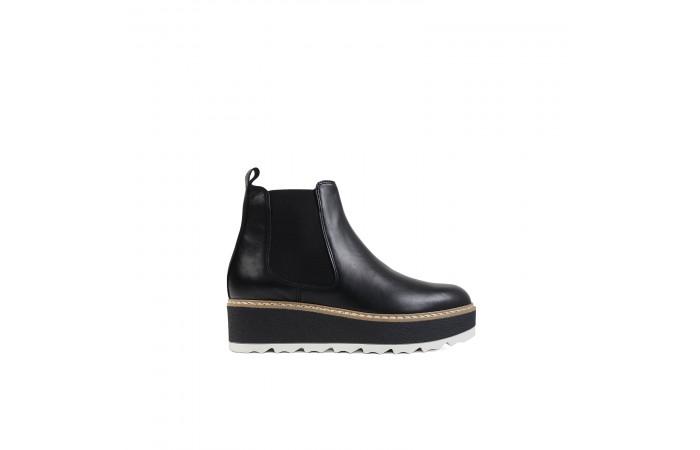 Black chelsea platform boots