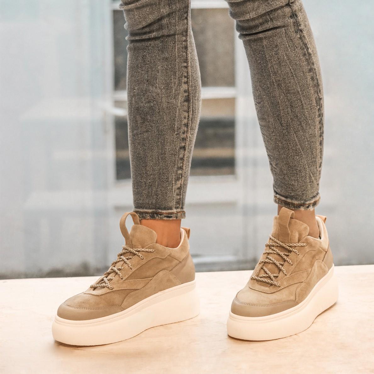 Camel platform Nina Sneaker Size 38