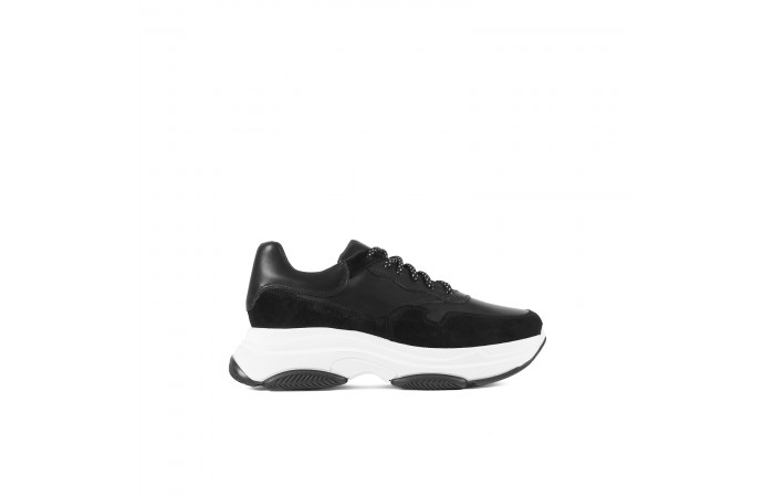 Sneaker Plataforma Yoko Negra
