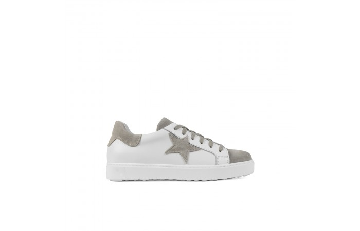 Taupe star sneaker