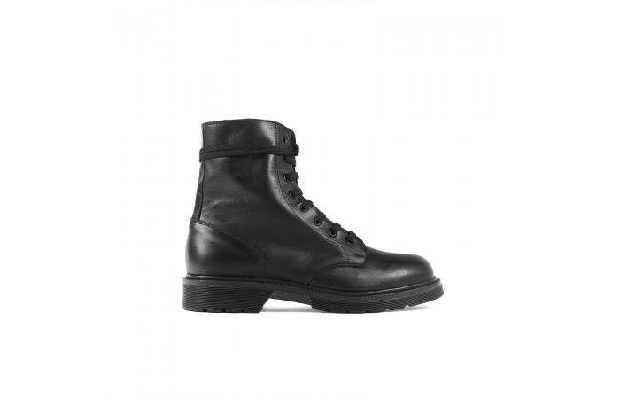 Morgan laces boots