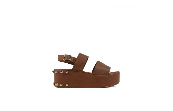 Brown tachs platform sandals