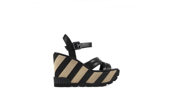 Black platform Rocco sandal