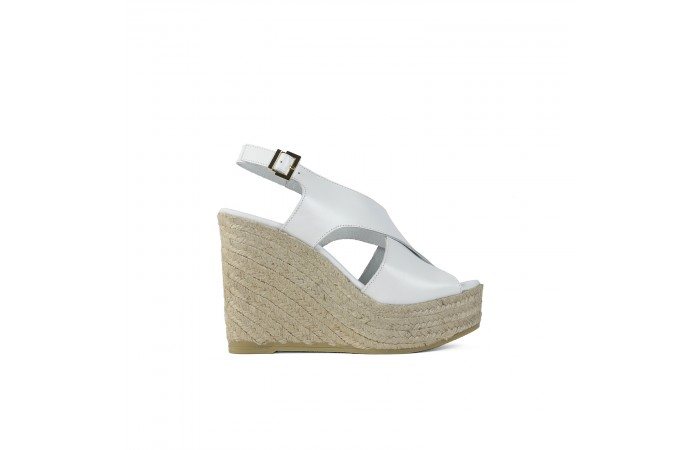 White crossed wedge...