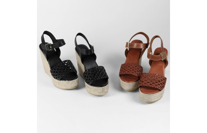 Black wedge platform...