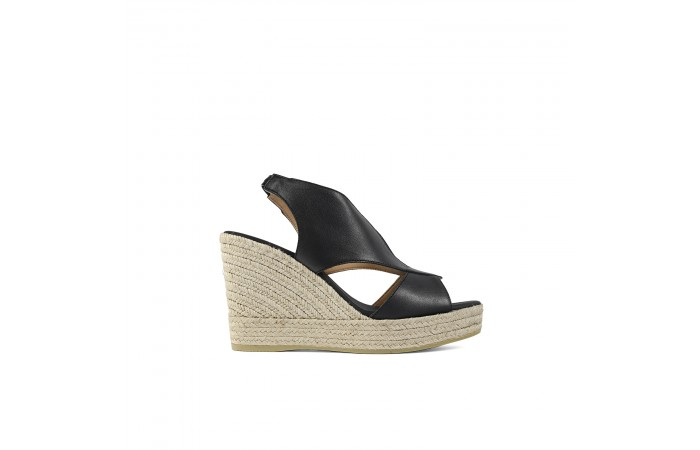 Black crossed wedge...