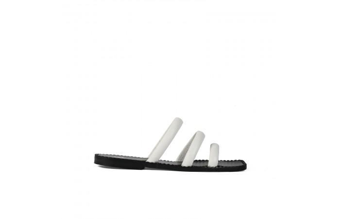 Sandalia plana tiras blanca