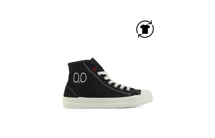 Black platform 00 upas sneaker