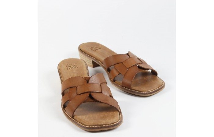 Leather Nora sandals