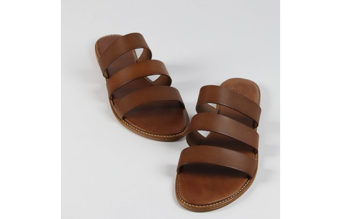 Leather straps sandal