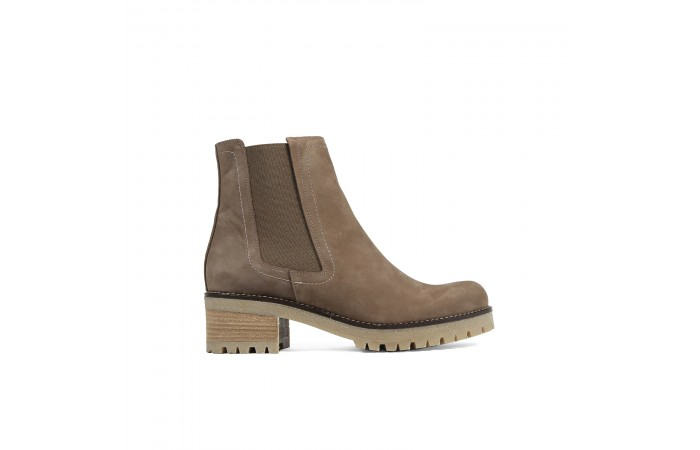 Brown mountain ankle boot