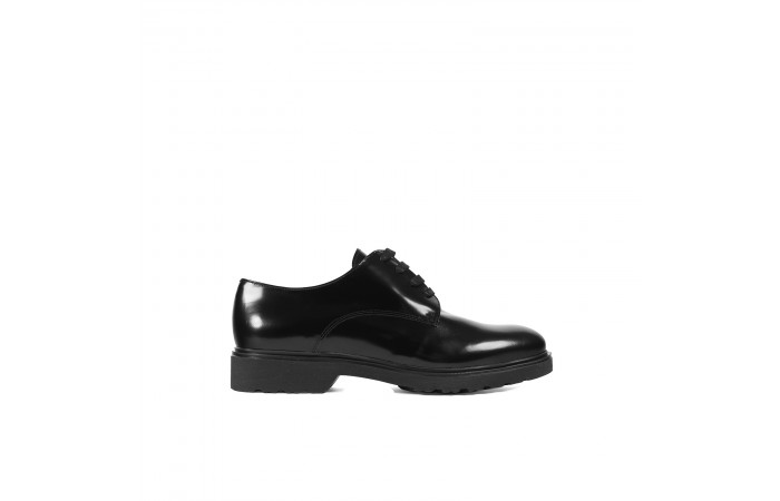 Black laces Blucher