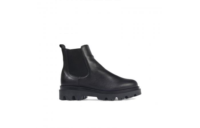 Track heel chelsea boots
