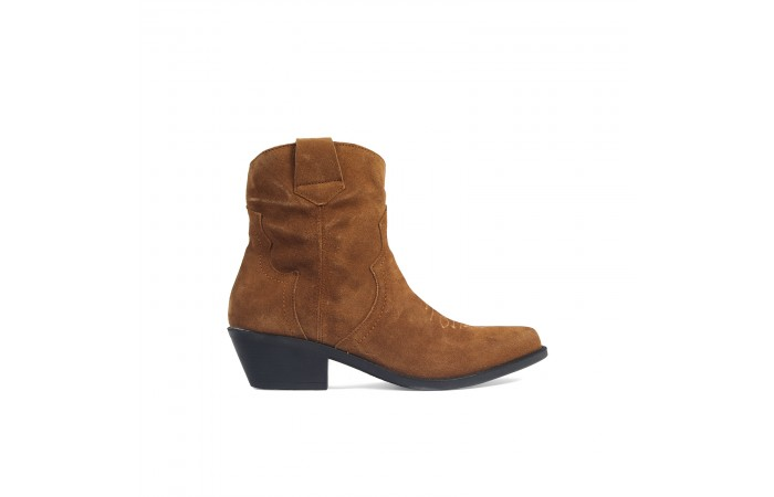 Camel cowboy heel boots