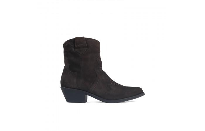 Brown cowboy heel boots