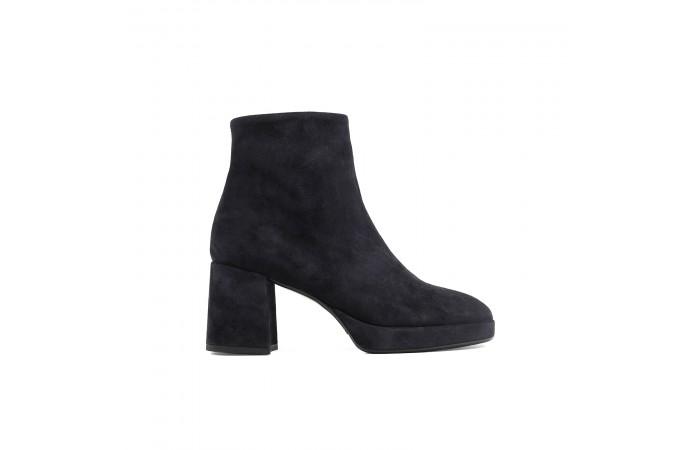 Olivia heeled Boots