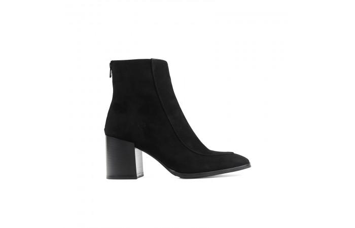 Black suede Keyra heeled Boots