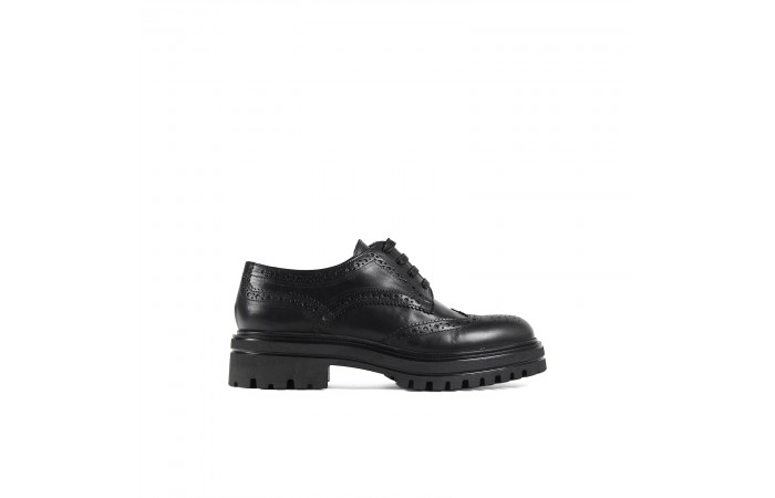 Black leather Oxford