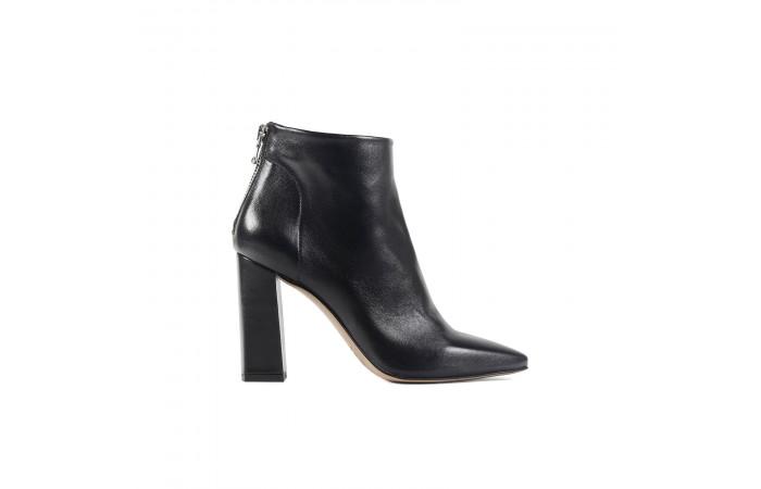Black Regina heeled boots