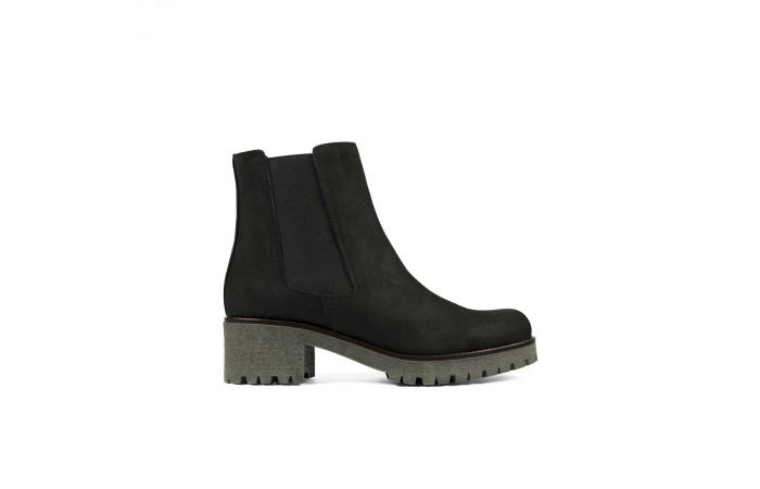 Dark chelsea mountain boot