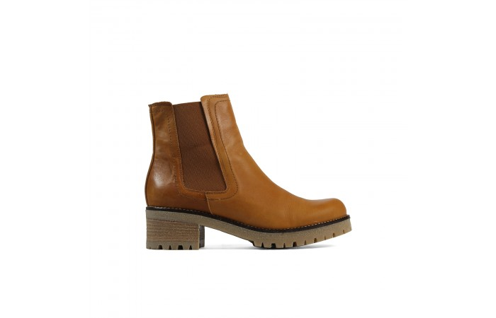 Camel mountain ankle boot