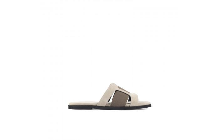 Beige flat Cassandra sandals