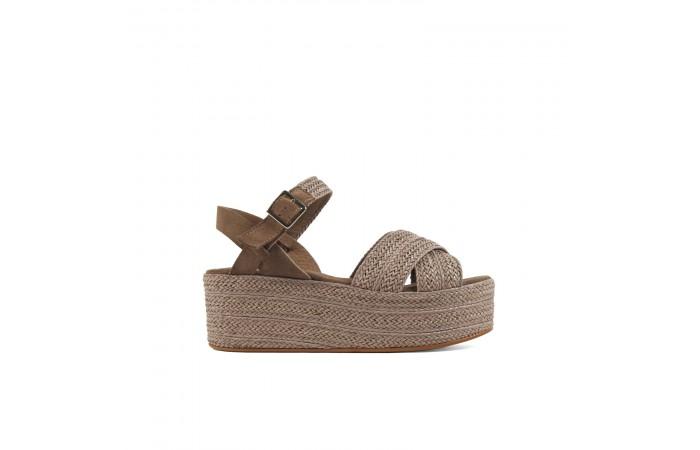 Camel braided platform sandals