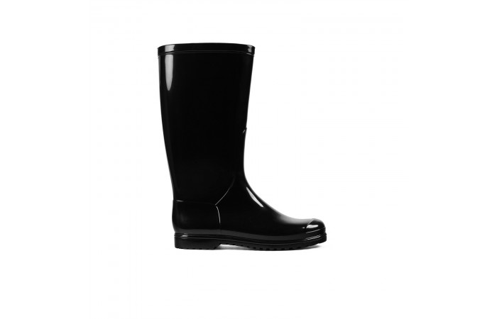 Black water boot